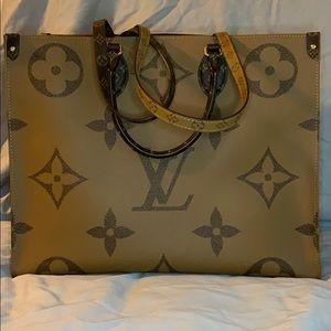 Louis Vuitton On the Go GM Reverse Monogram